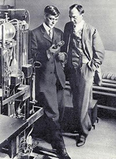 Ленгмюр (слева) и Уитни (справа)