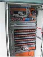 Рис. 3. Шкаф системы управления на базе ПЛК SystemQ