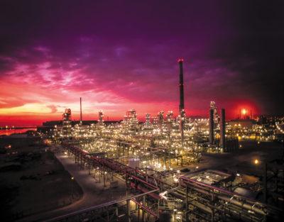 Ахмеда Вафи (Ahmed Wafi), менеджера по развитию нефтехимического бизнеса компании Schneider Electric в регионе ЕМЕА