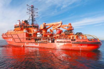 Головное многофункциональное аварийно-спасательное судно «Спасатель Карев»