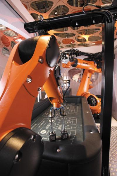 Робот KUKA KR Agilus с приводами Kollmorgen выполняет функции укладчика