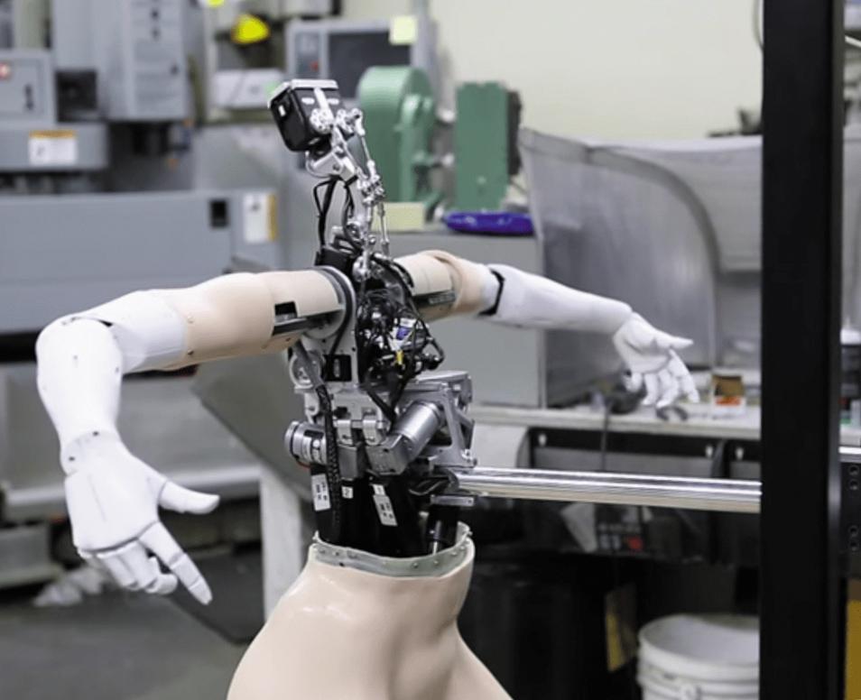 робот-гуманоид для работы в торговом зале