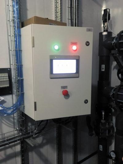 Шкаф управления скважинным насосом с сенсорным пультом