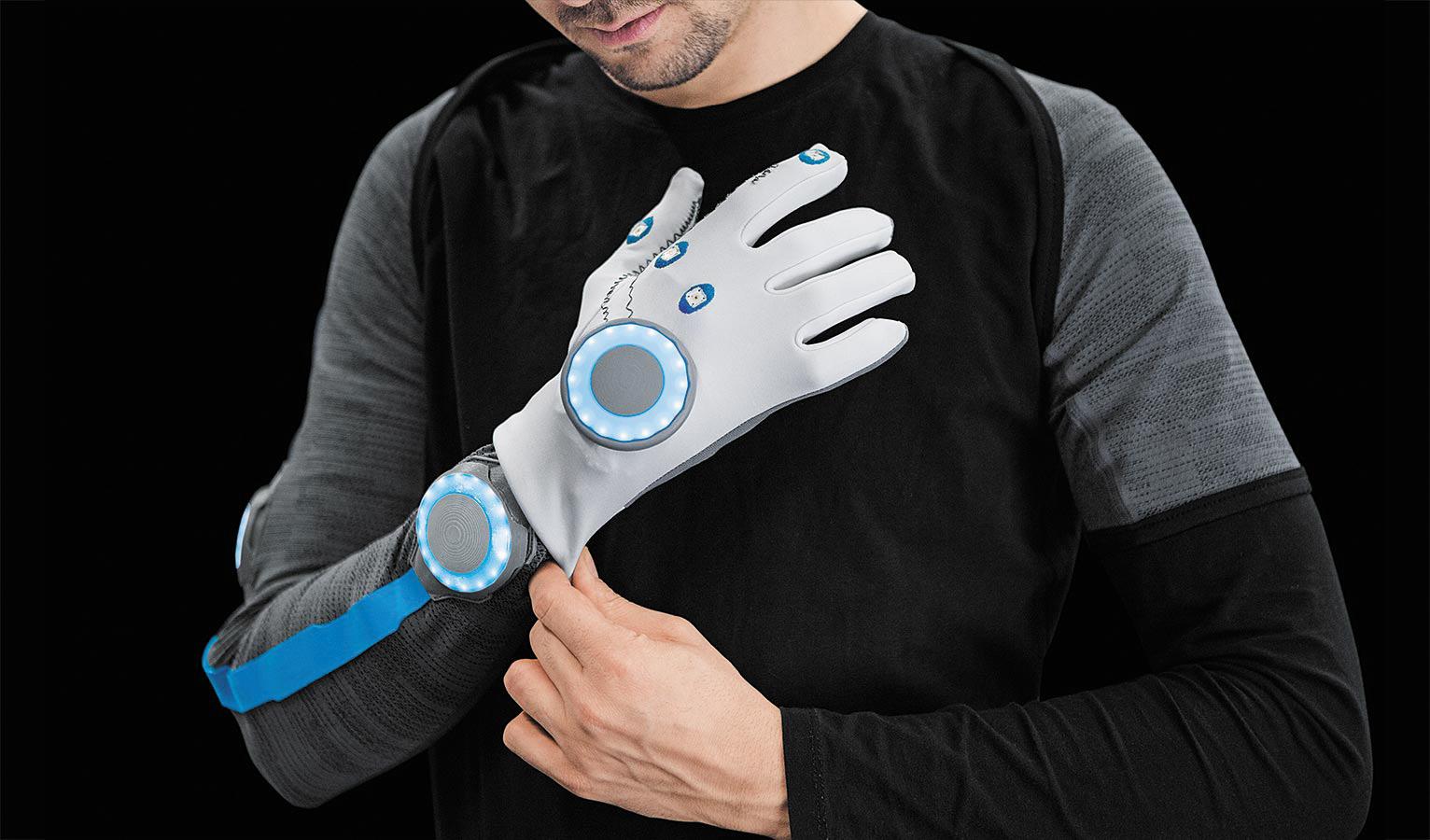 рабочая одежда с сенсорами для работы в среде BionicWorkplace