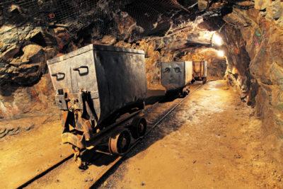 Тяговый электропривод рудничного электровоза
