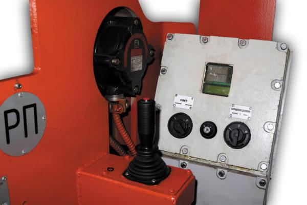 Пульт управления рудничного электровоза