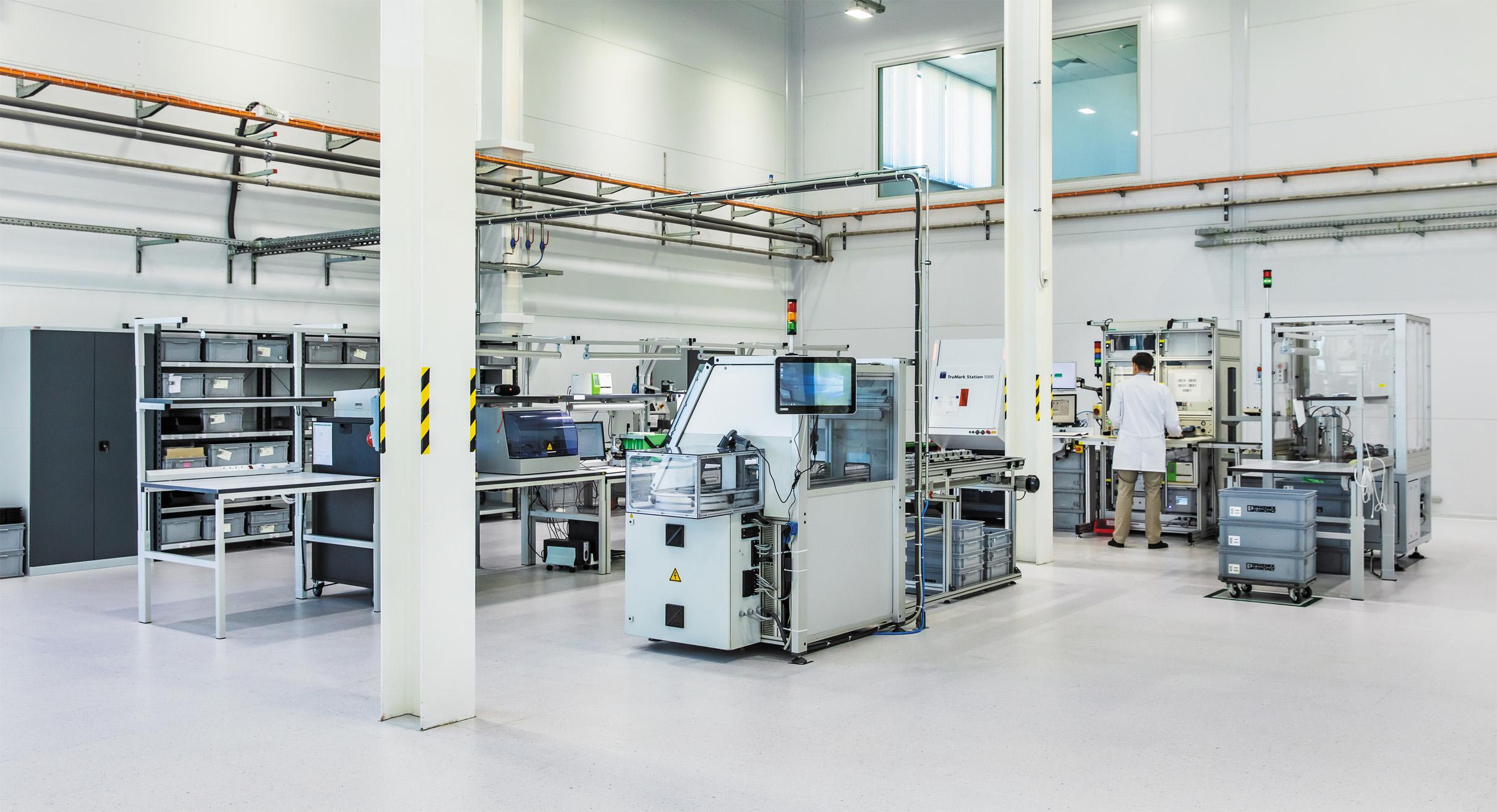 Участок производства электронных компонентов АСУ ТП на заводе Phoenix Contact в России