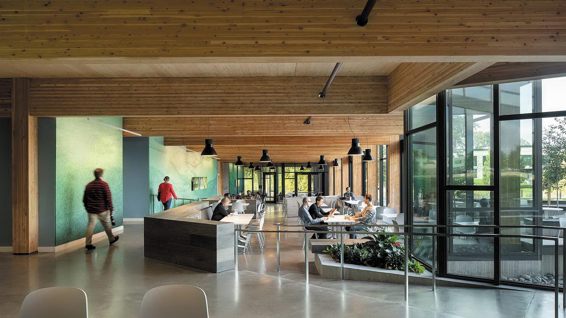 Результаты проектирования зданий с использованием перекрестно клеенной древесины в штаб-квартире First Tech