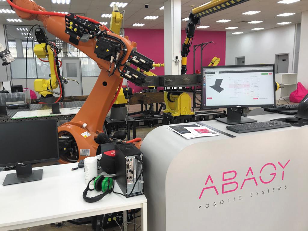 Управление роботом с помощью ABAGY Robotic Systems