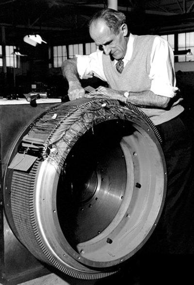 Основатель компании Kollmorgen Хьюго Унрух. Нью-Йорк, 1949 г.