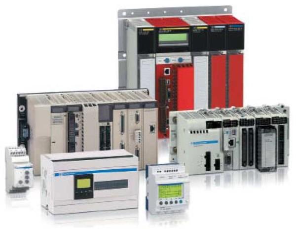 Разные виды программируемых логических контроллеров (PLC)