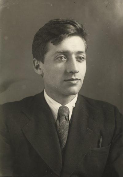 Яков Залманович Цыпкин - молодой кандидат наук (1945 г.)