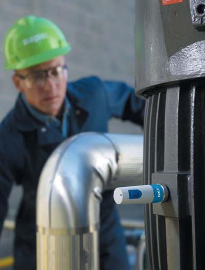 Беспроводной датчик состояния оборудования от компании SKF собирает данные о температуре, общем состоянии оборудования и элементах подшипника качения. Он имеет сертификат ATEX Zone 0