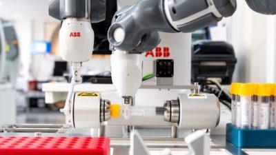 Коллаборативный робот-лаборант YuMi от АВВ вкрупнейшем медицинском университете Швеции
