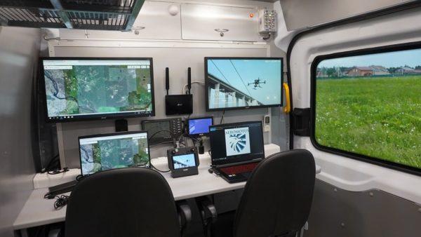 Компания Aeromotus оборудовала мобильный пункт для управления дронами