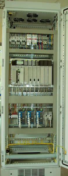 Внешний вид одного из контроллерных шкафов (ША1 ВС) с открытой дверцей