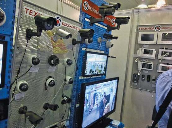 Видеокамеры высокого разрешения  и системы IP-наблюдения были самым ходовым товаром на SIPS
