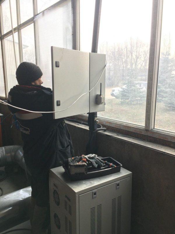Подключение устройства к щитку станка