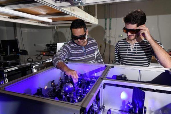 Галоидно-неорганический перовскит — новое направление в электронике видимого излучения