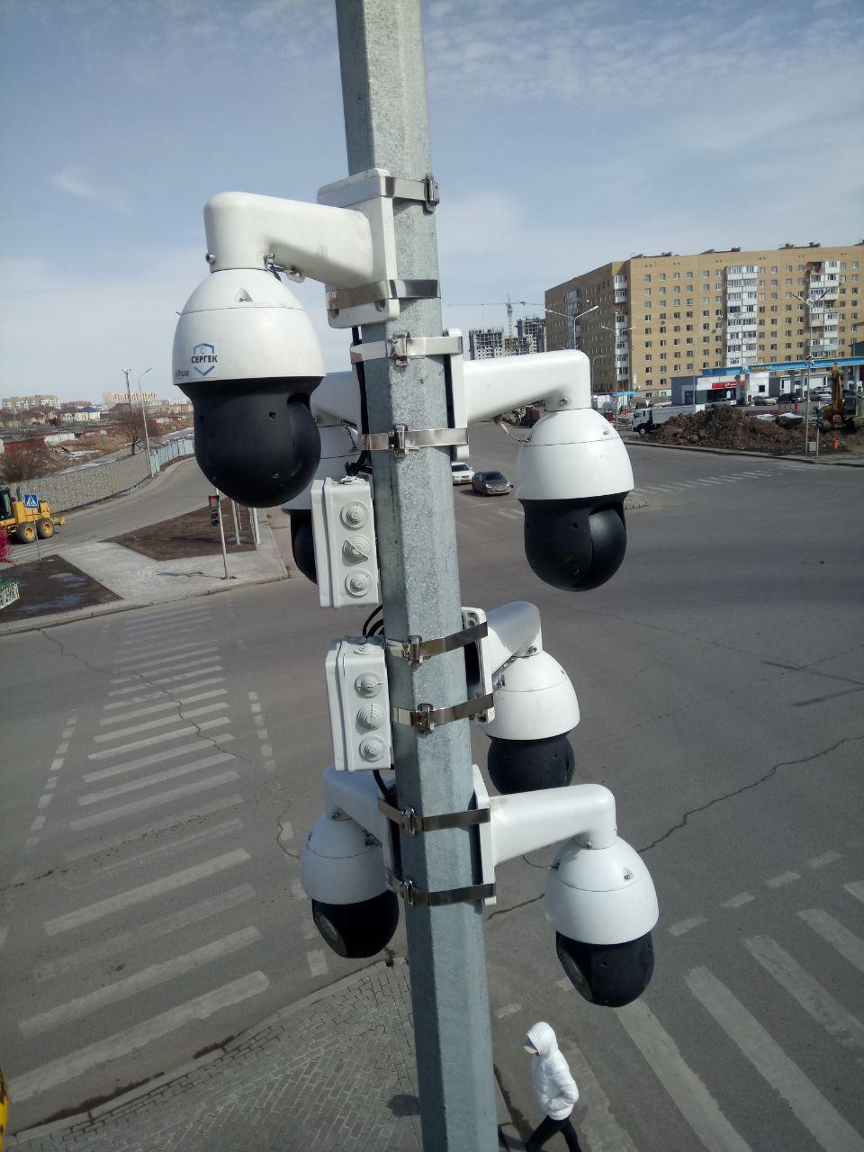 Камеры, установленные на перекрестке